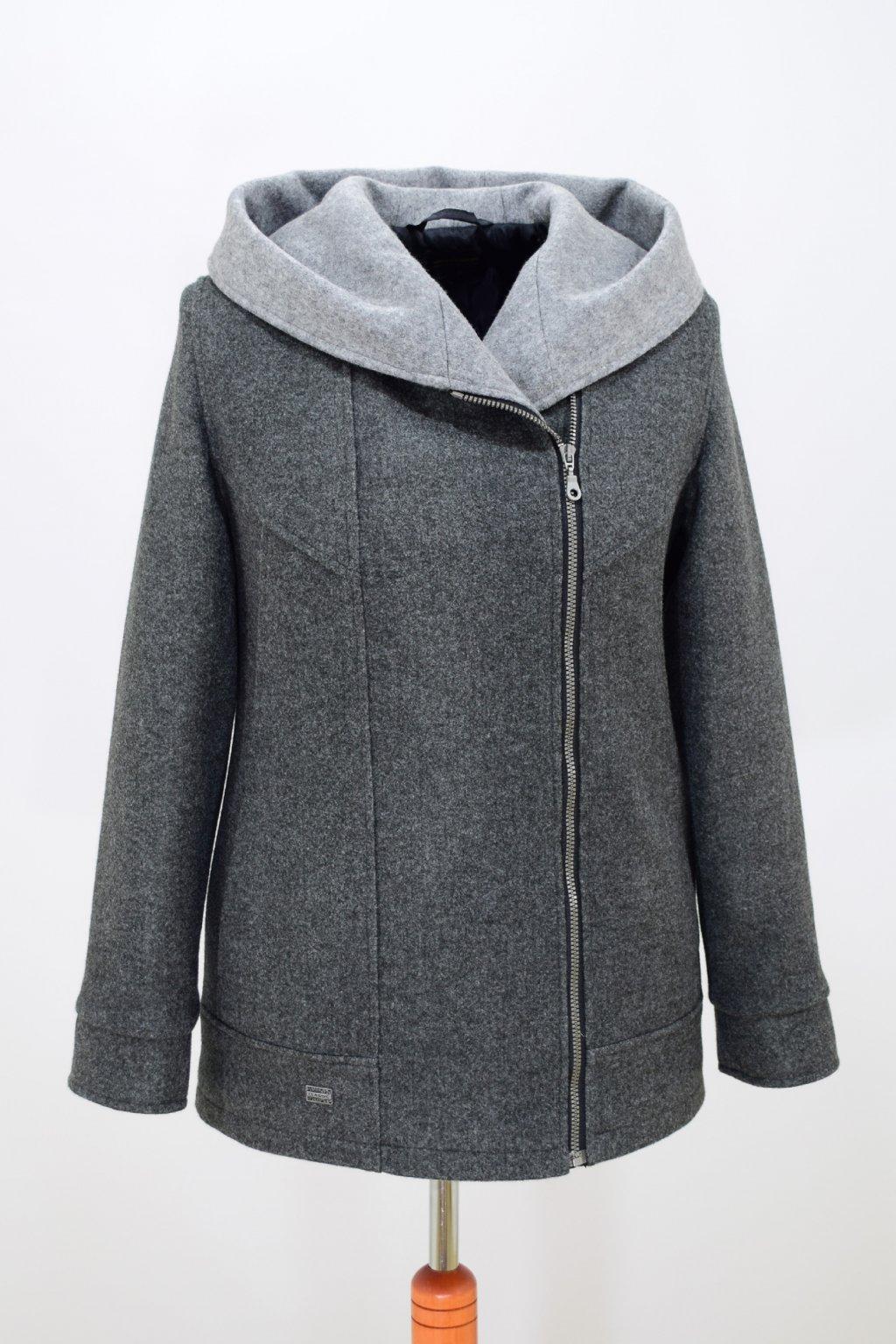 Dámská šedá zimní bunda Inka nadměrné velikosti.