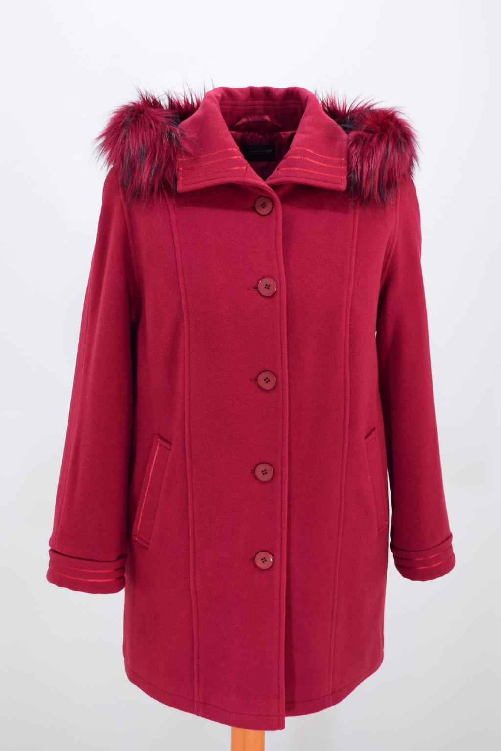 Dámský zimní světle vínový kabát Renata nadměrné velikosti.