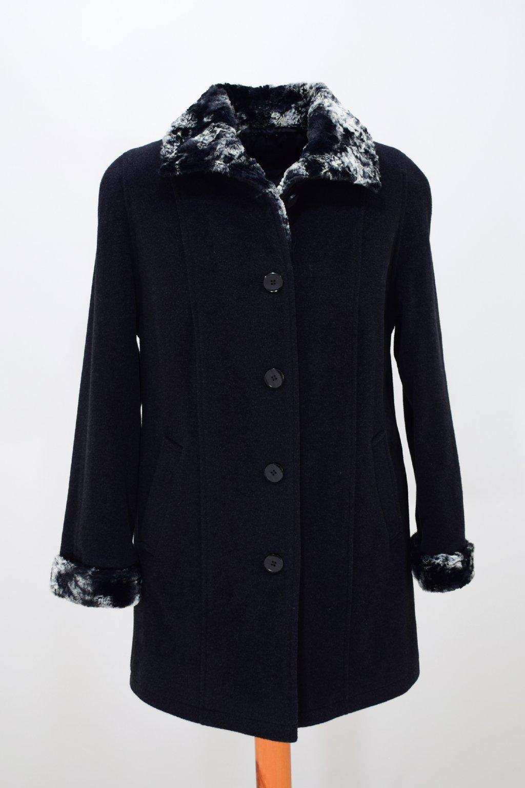 Dámský zimní kabát Nina nadměrné velikosti.
