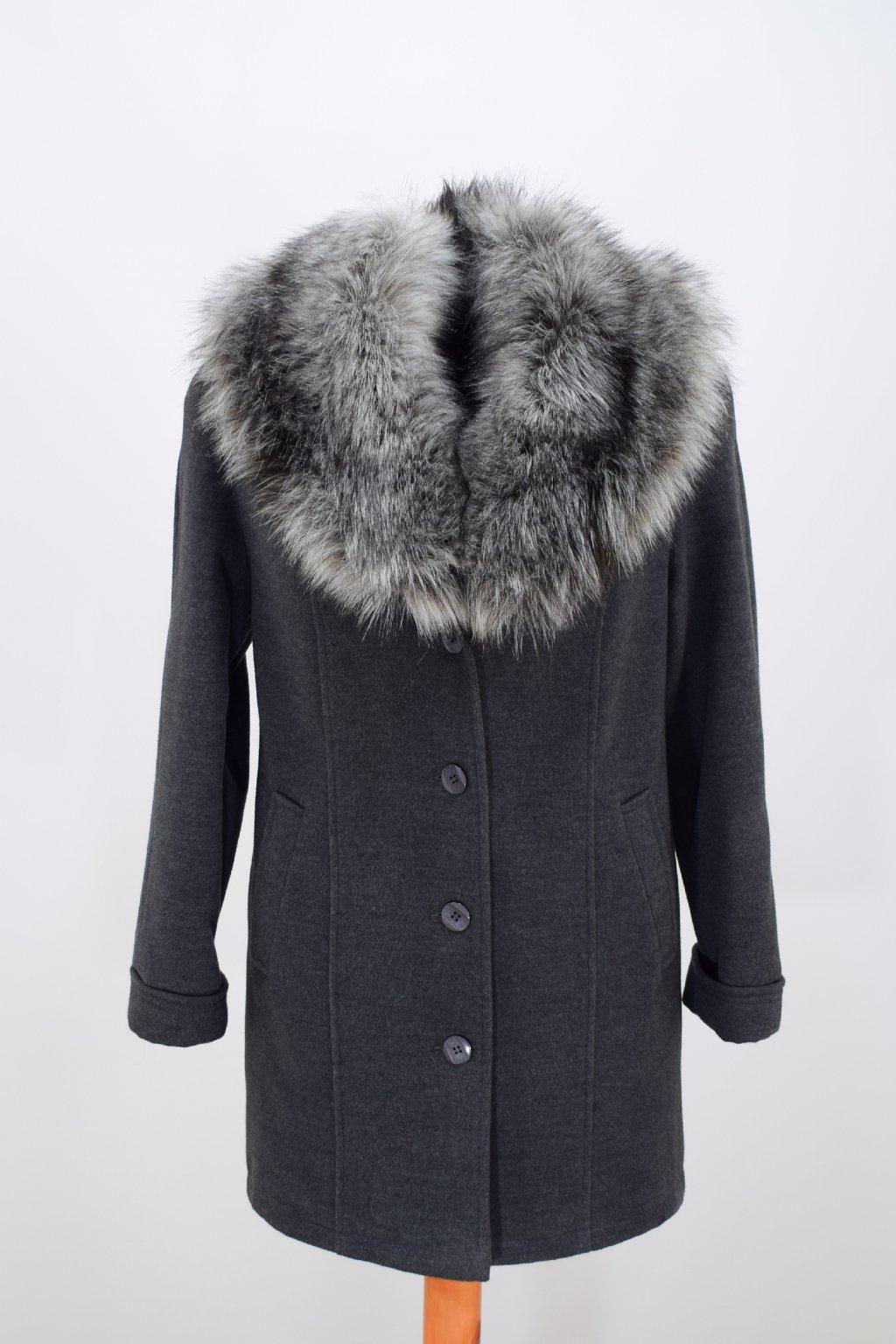 Dámský zimní šedý kabát Táňa nadměrné velikosti.