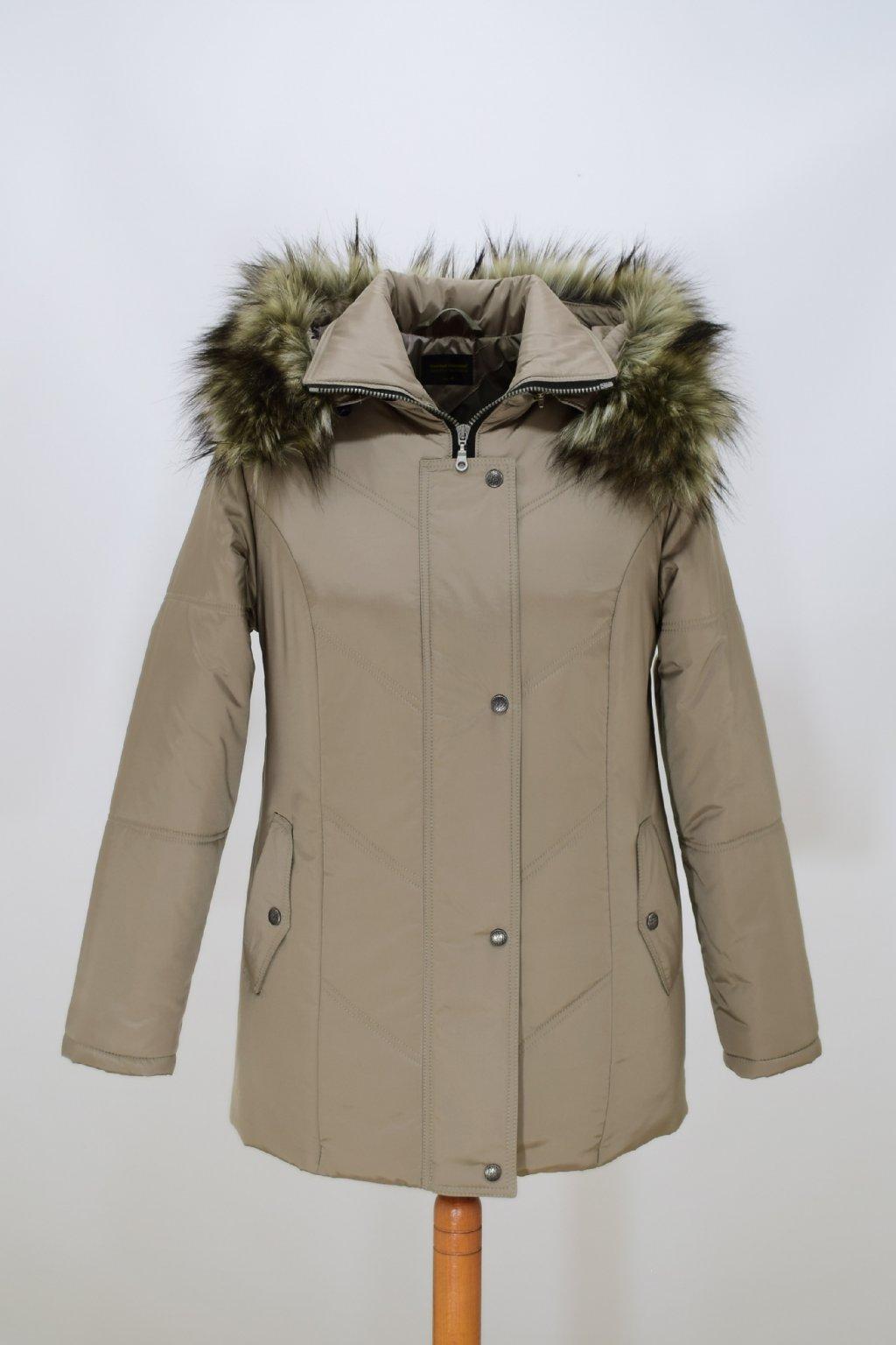 Dámská béžová zimní bunda Saša nadměrné velikosti.