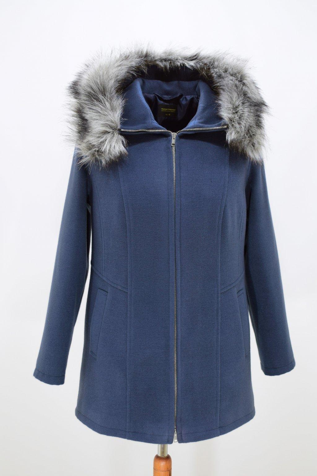 Dámský modrý zimní kabátek Žaneta nadměrné velikosti.