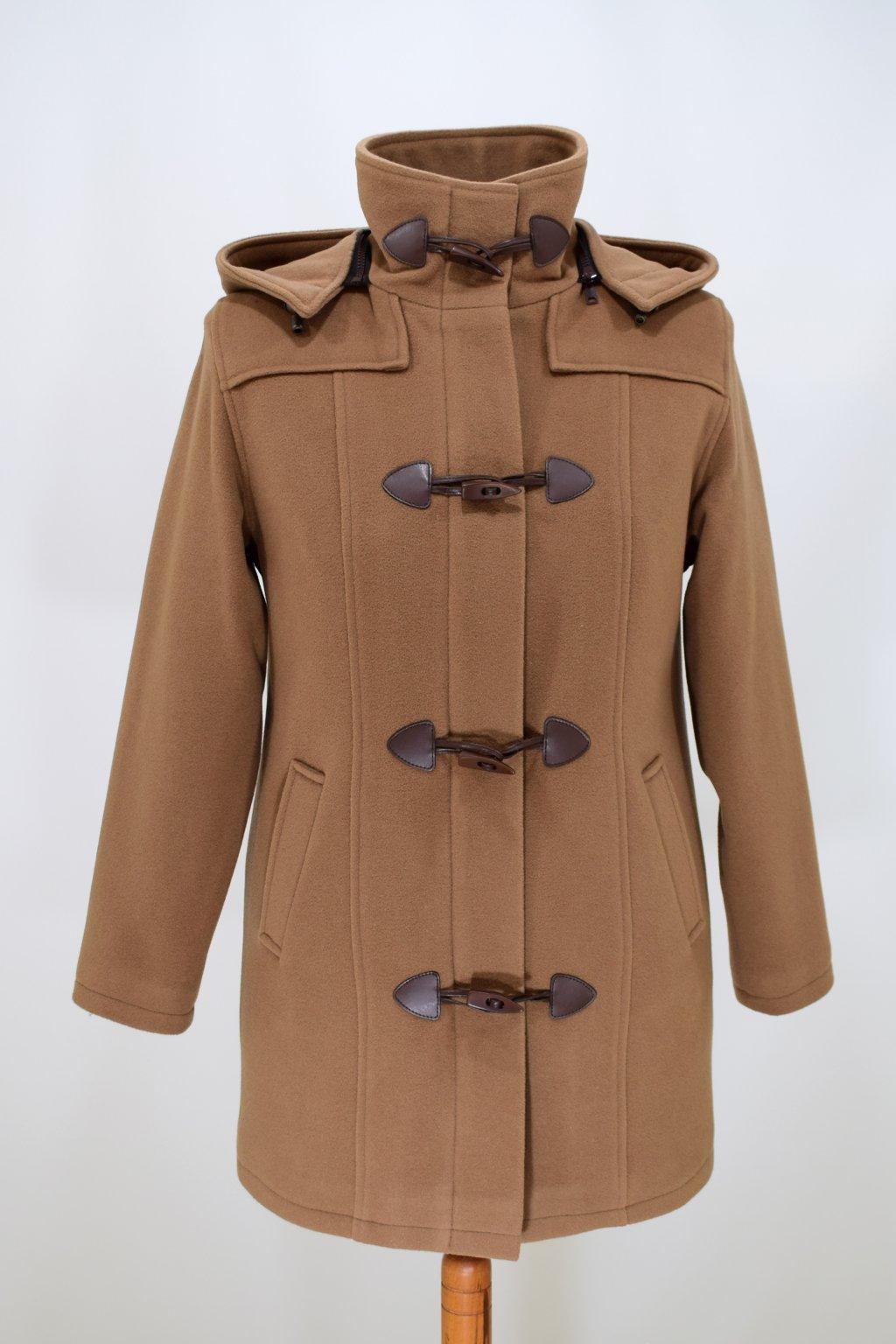 Dámská zimní bunda Brigita nadměrné velikosti.