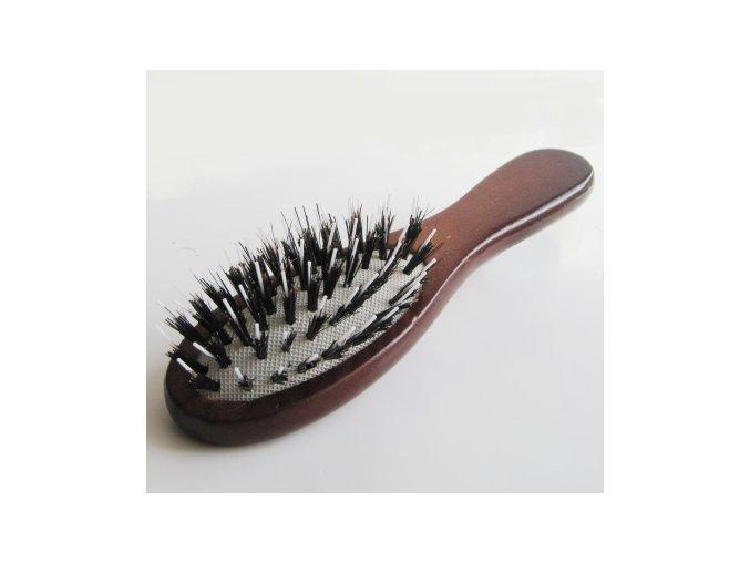 kartáč z kančích štětin na prodloužené vlasy