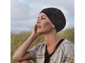 satky-a-turbany-po-chemoterapii-Aiko
