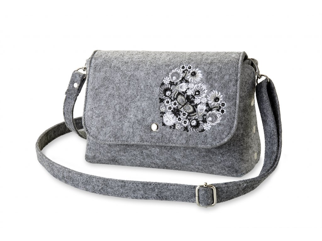 12 filcová kabelka přes rameno šedá, bílé srdce (2)