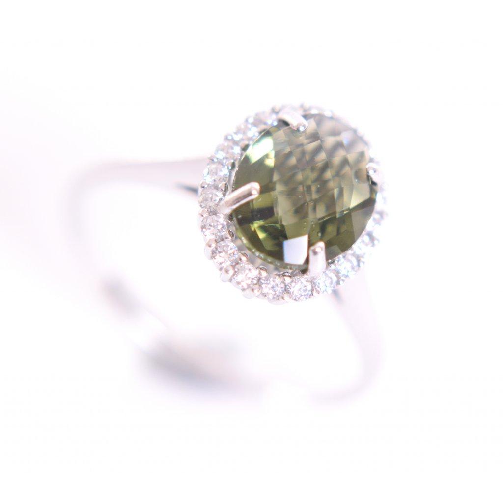 Stříbrný prsten s vltavínem a zirkony