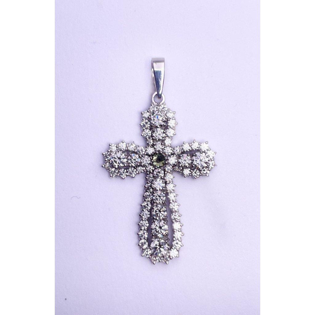 Stříbrný přívěšek kříž s broušeným vltavínem a zirkony
