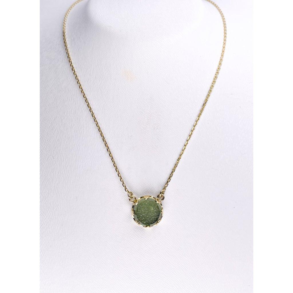 Zlatý náhrdelník s vltavínem , polobrus
