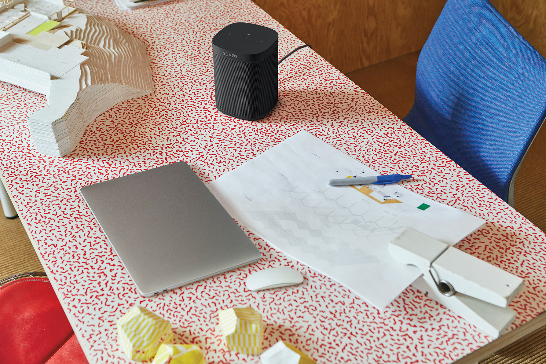 One_Shadow_Edition-Lifestyle-At_Home_With_Sonos__Home_Office-770x600-Q3FY20_MST-MST_JPEG_fid90435