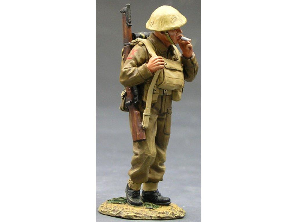 502fe12ca38a King   Country - voják s puškou