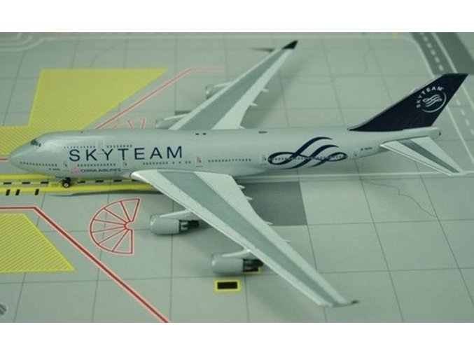 """Phoenix - Boeing B747-409, dopravce China Airlines, """"Sky Team Colors"""", Taiwan, 1/400"""