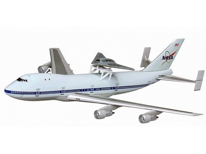 Dragon - Boeing B747-100SCA, NASA with X-45C Carrier Aircraft, 2010, 1/400
