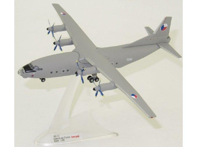 Herpa - Antonov An-12, české letectvo 2105, 1/200