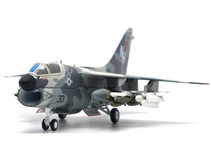 JC Wings - A-7E CORSAIR II, US Navy, VA-22 Fighting Redcocks, Operation Praying Mantis, 1988, 1/72