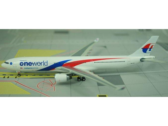 Phoenix - Airbus A330-323X, společnost Malaysia Airlines, Malajsie, 1/400