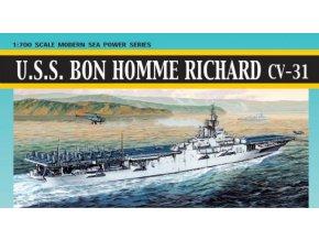 Dragon - letadlová loď USS Bon Homme Richard CV-31, korejská válka, 1/700, Model Kit 7063