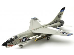 Century Wings - Vought F-8E Crusader, U.S.Marine Corps, USS Oriskany, VMF(AW)-212 Lancers, WD106, Tonkinský záliv, 1965, 1/72