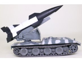 Model Collect - E-100 s balistickou raketou V4, 1946, 1/72