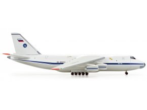 Herpa - Antonov An-124-100, 224th Flight Unit Antonov RA-82010, 1/500