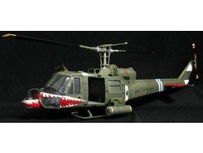 "JS International - UH-1B Huey, US Army, ""Shark Mouth"", 1/18"