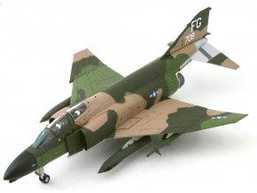 HobbyMaster - McDonnell Douglas F-4D Phantom II, USAF, 433rd TFS, Thajsko, AN / AVQ-10 Pave Knife, 1/72