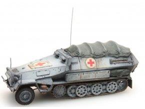 sdkfz 251 8b sanitaetspanzer winter