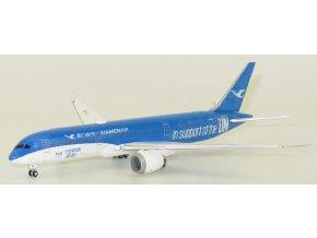 "JC Wings - Boeing B787-9 Dreamliner, dopravce Xiamen Airlines B-1356 ""United Nations GOAL Livery"" (verze s anténou), Čína, 1/400"