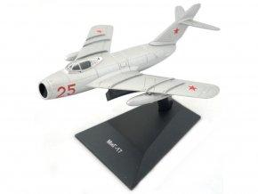 "Altaya - Mikojan-Gurevič MiG-17 ""Fresco"", sovětské letectvo, 1/105"