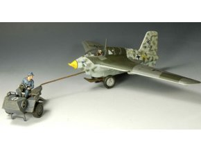 King & Country - Messerschmitt Me-163 Komet s tažným traktorem, Luftwaffe, 1/30