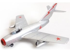 Easy Model - Mikojan-Gurevič MiG-15 Fagot, sovětské letectvo, Čína, 1951, 1/72