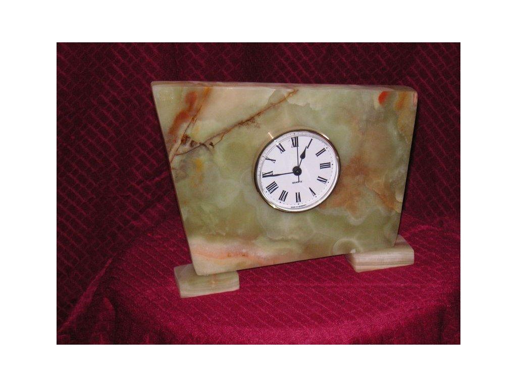 hodiny z aragonitu