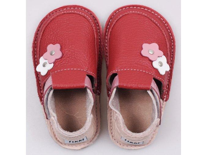 Pantofi rosu floare