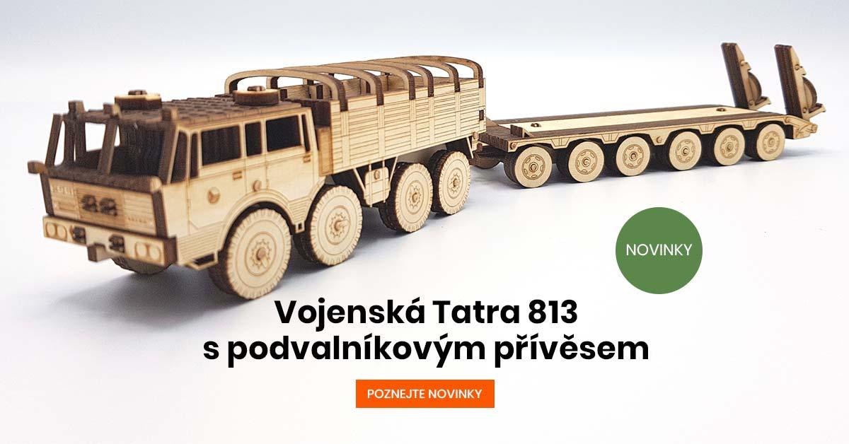 Vojenská Tatra 813 s podvalníkovým přívěsem