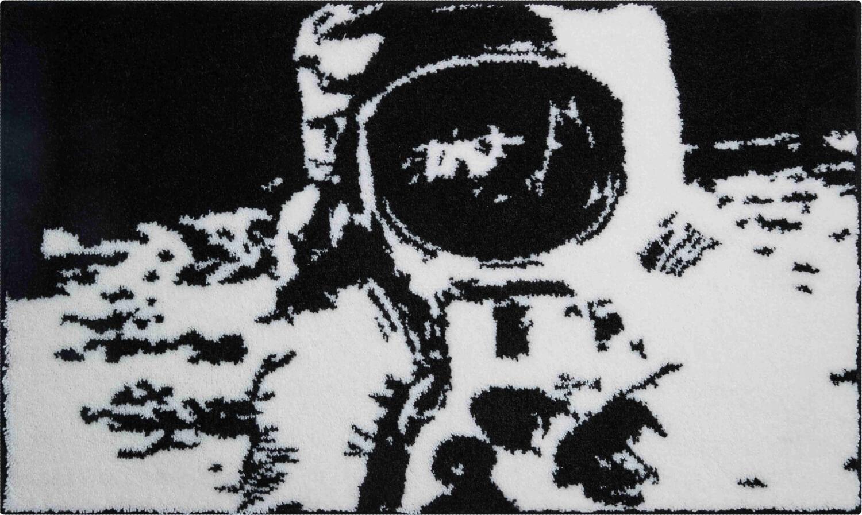 Černobílá předložka Armstrong.