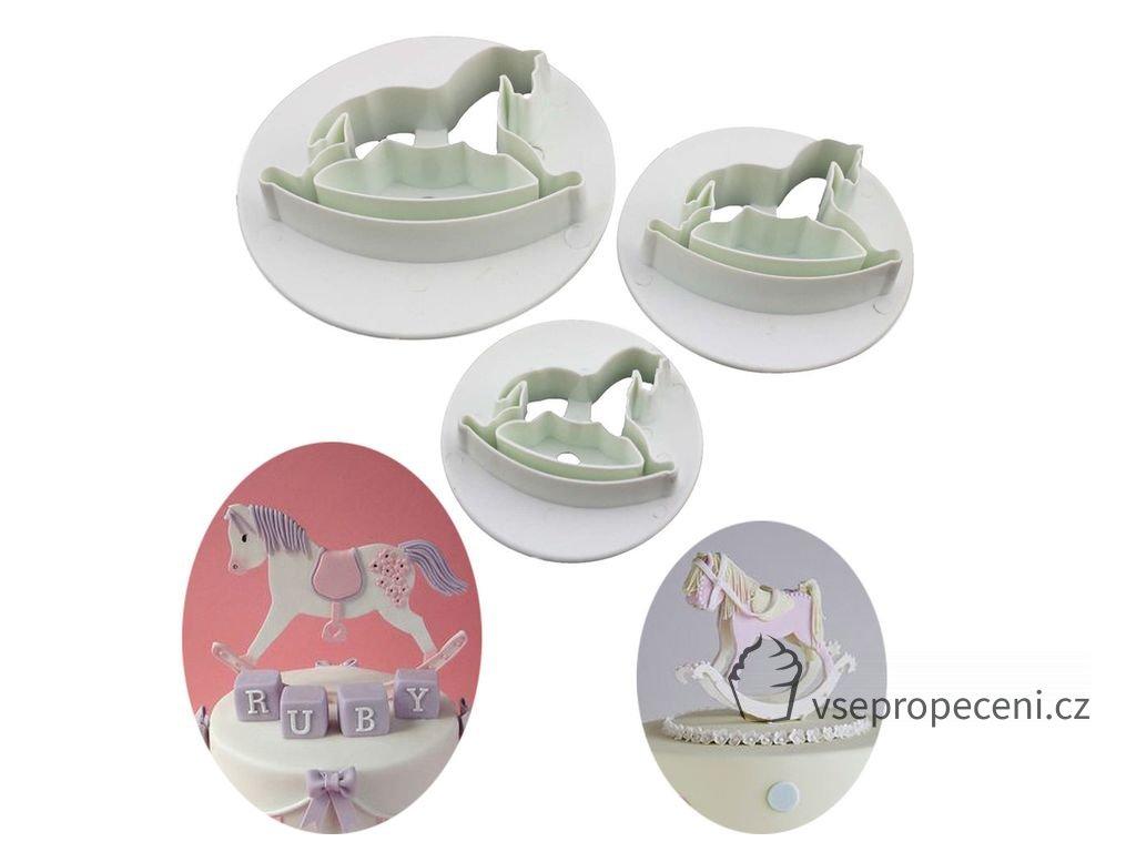 e4e789ee478a37fe11210641583930dc horse cake christening cakes