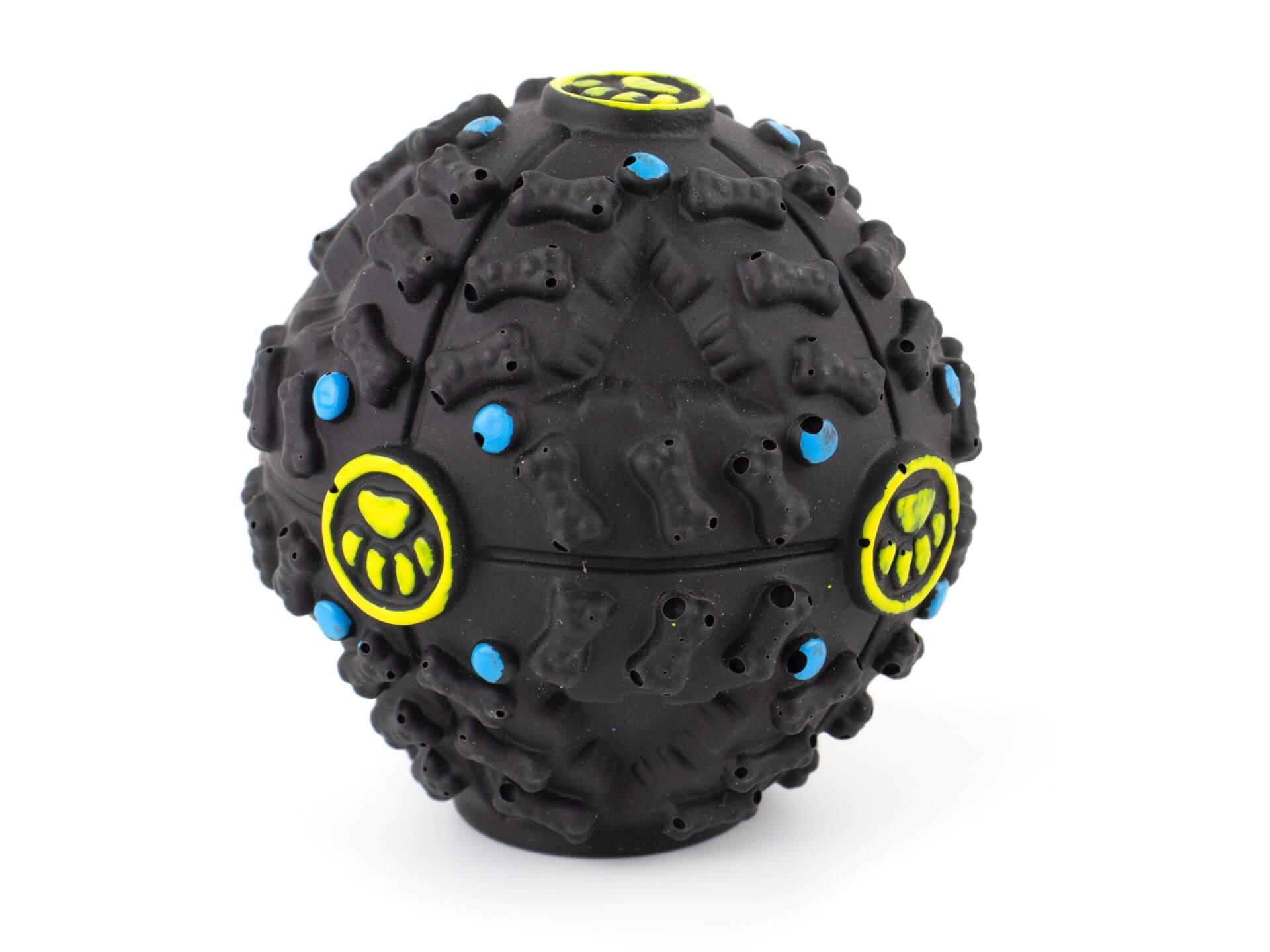 Levně Vsepropejska Treat míček na pamlsky pro psa Barva: Černá, Rozměr: 7,5 cm