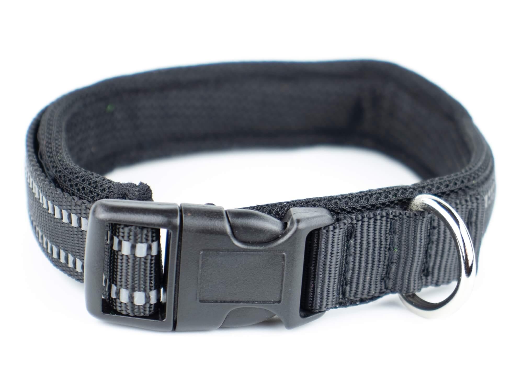 Vsepropejska Lining obojek s podšívkou a vodítko | 34 - 52 cm Barva: Černá, Typ: Obojek, Velikost: Obvod krku 34 - 39 cm