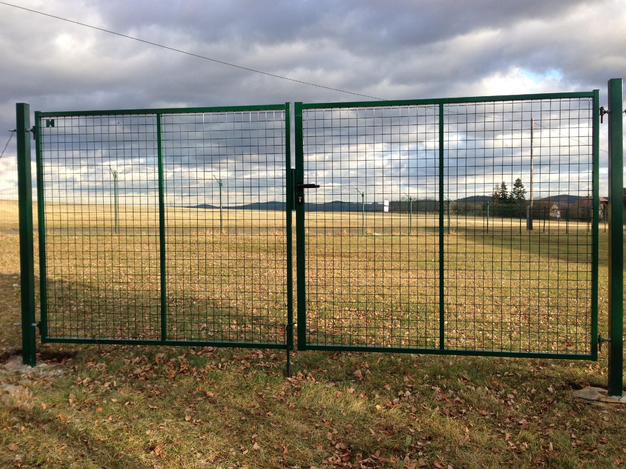 Brána se svařovanou sítí MULTI zelená šířka 3500xv. dle výběru Výška v mm:: 1000