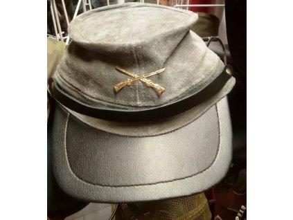 Jižanská kožená čepice konfederace s odznakem - jižanská šeď.