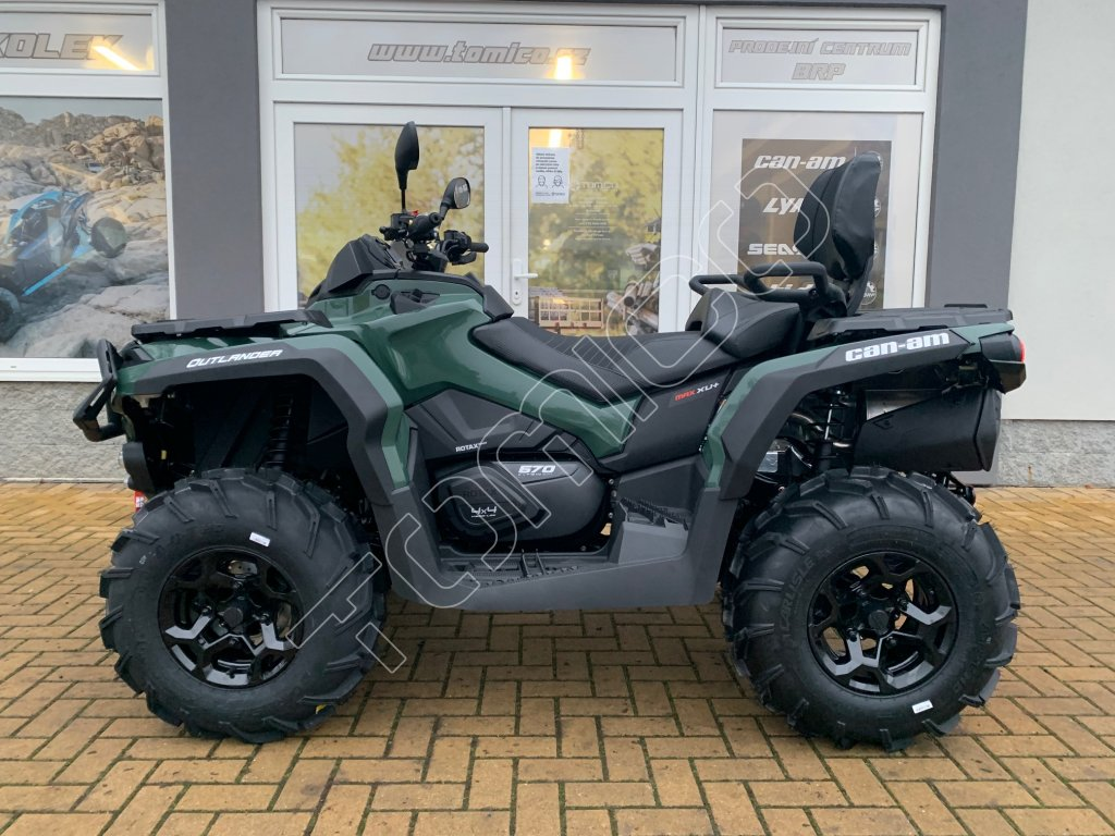 MY21 Can Am Outlander MAX XU+ 650DT Tundra Green 34front EU