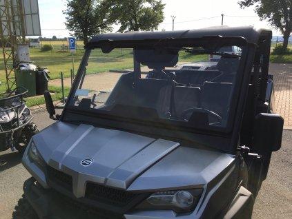 Přední sklo včetně stěrače a ostřikovače na Cf-Moto Gladiator UTV1000 EPS