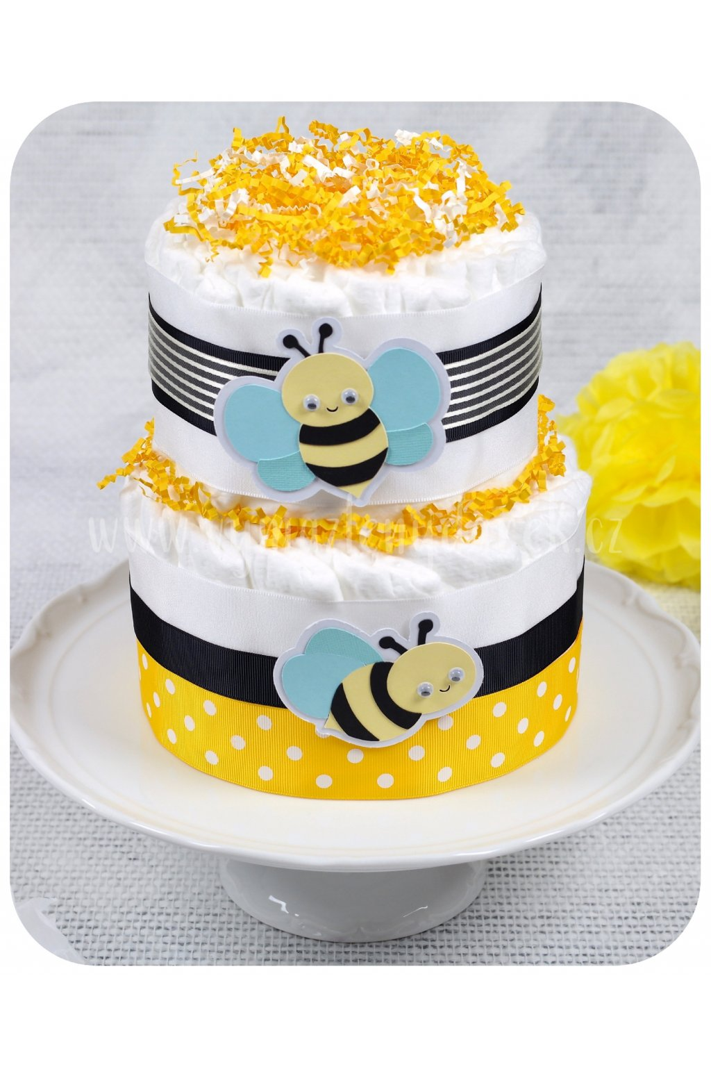 Dvoupatrový plenkový dort Včelky