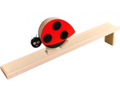 Chodící hračka ze dřeva - Beruška barevná