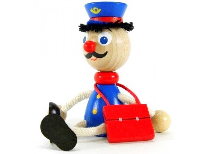 Sedací figurka hračka ze dřeva - Pošták