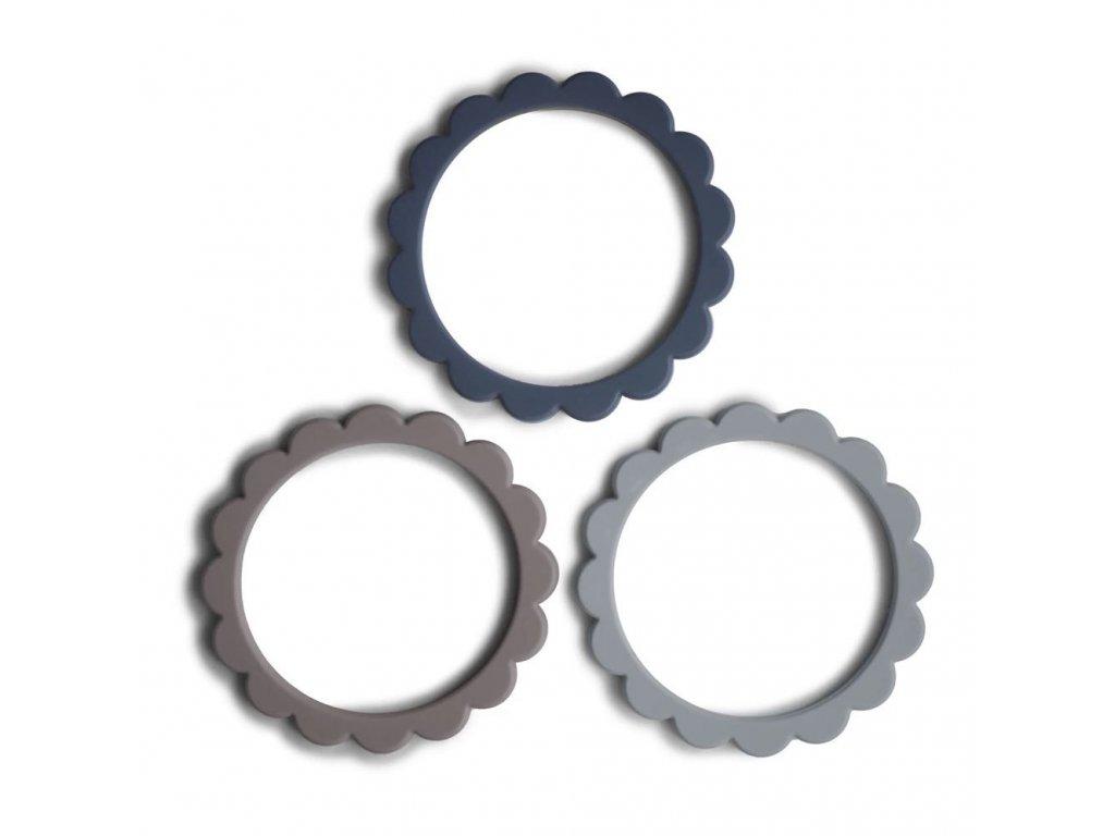 Mushie náramkové kousátko ze silikonu FLOWER - Steel/Dove Gray/Stone
