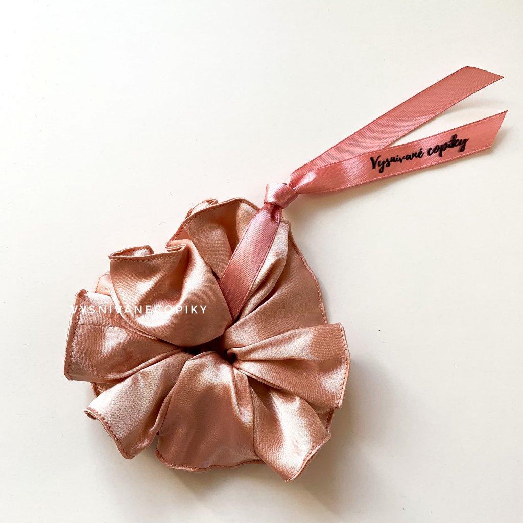 peach scrunchies