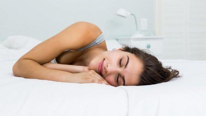 Každá ze spánkových poloh ovlivňuje zdraví i osobnost člověka. Do které skupiny patříte vy?