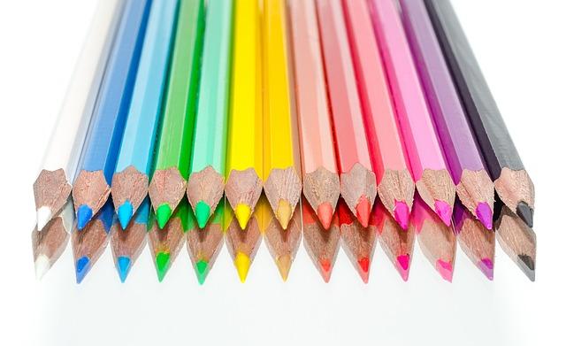 Pastelky, tužky, uhly