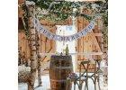 Svatební girlandy, lampiony a pom poms